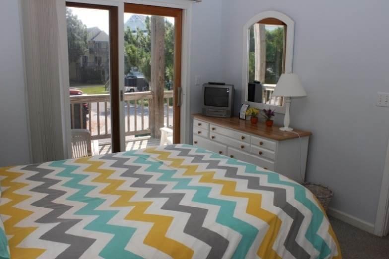 Door,Sliding Door,Home Decor,Quilt,Indoors