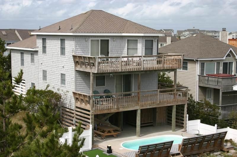 Deck,Porch,Building,Villa,Downtown