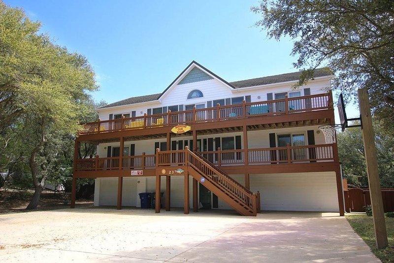 Deck,Porch,Building,Villa,Office Building