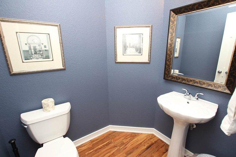 Toilet,Bathroom,Indoors,Mirror,Room
