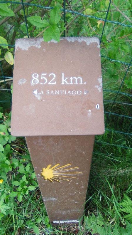 Signal 852 km Camino de Santiago pèlerinage à Compostelle