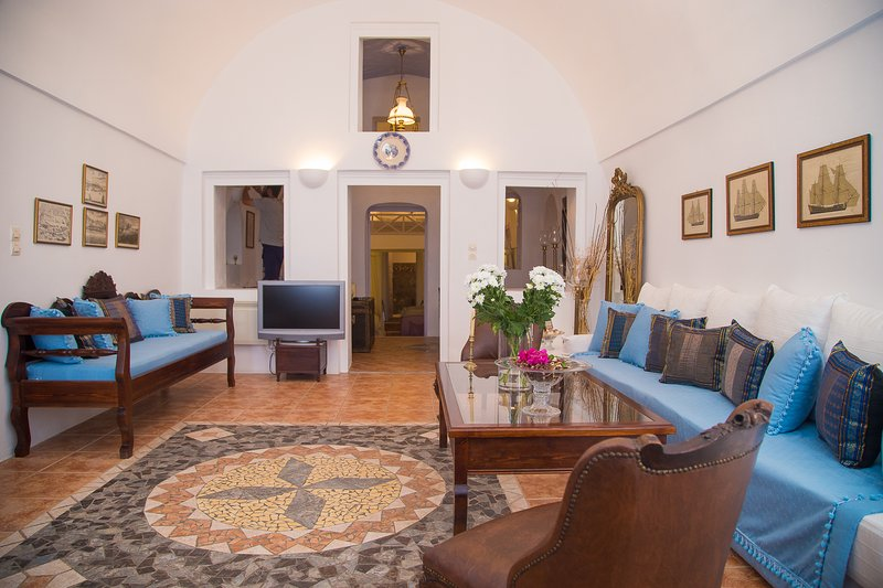 Lydia Luxury Villa, vacation rental in Monolithos