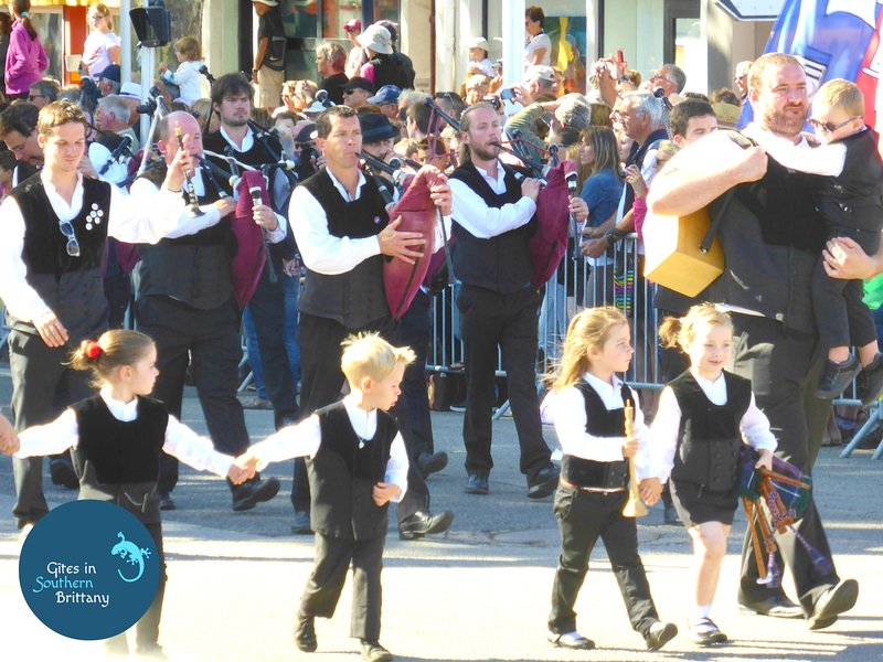 Enjoy a Breton festivity