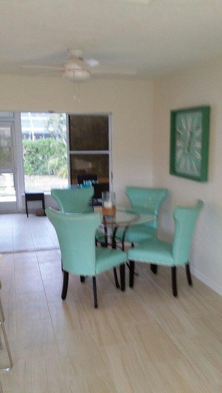 Dining room - lanai & deck beyond.