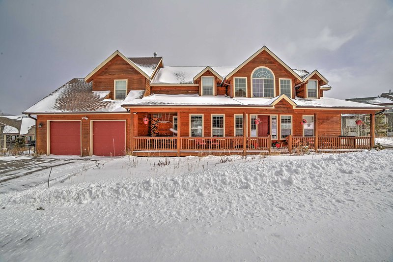 An unforgettable Silverthorne retreat awaits you at this wonderful vacation rental home!