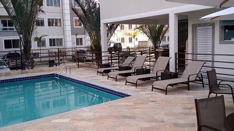 ótimo apartamneto com piscina,elevador,condomínio fechado., holiday rental in Juiz de Fora