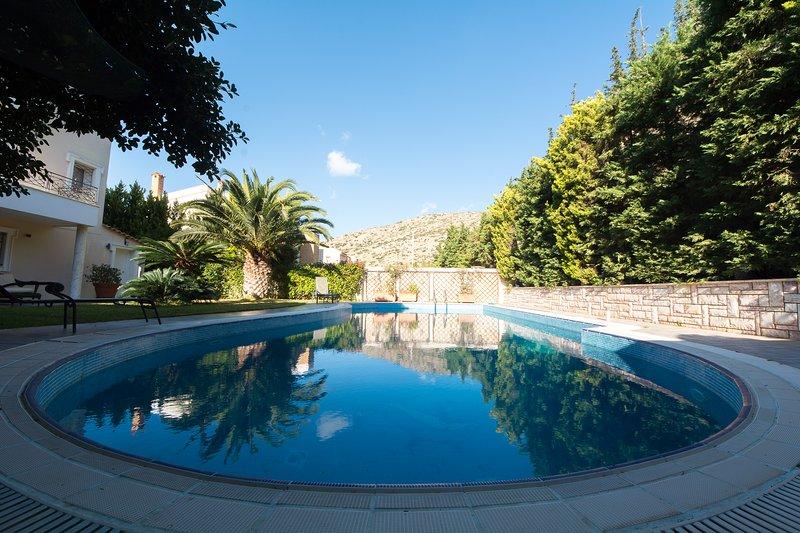 Beautiful Villa-Lux-Swimming pool-Great sea view!, holiday rental in Saronida