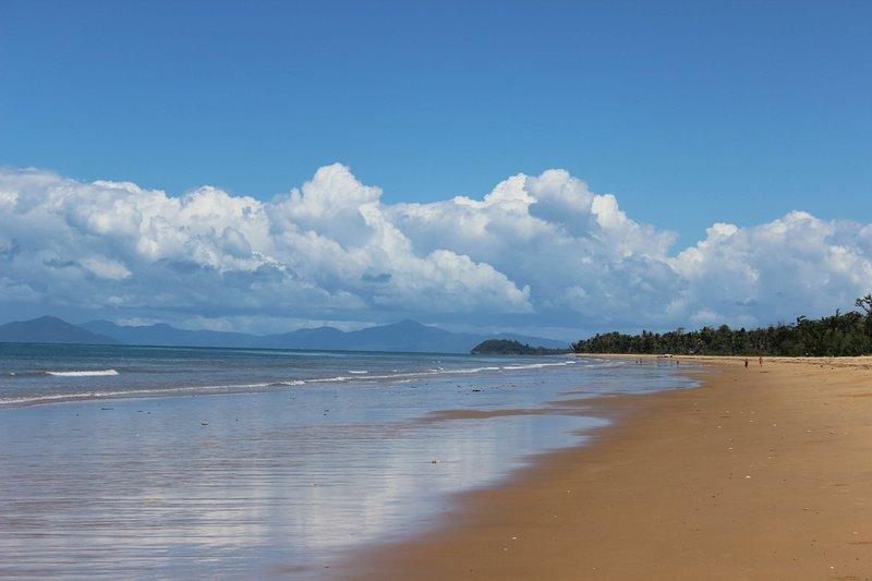 Dunk Island Holidays: On Beachfront At Mission Beach