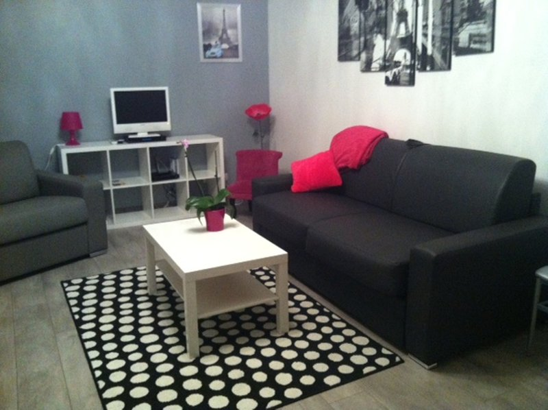 Studio DISNEYLAND PARIS, vacation rental in Conde-Sainte-Libiaire