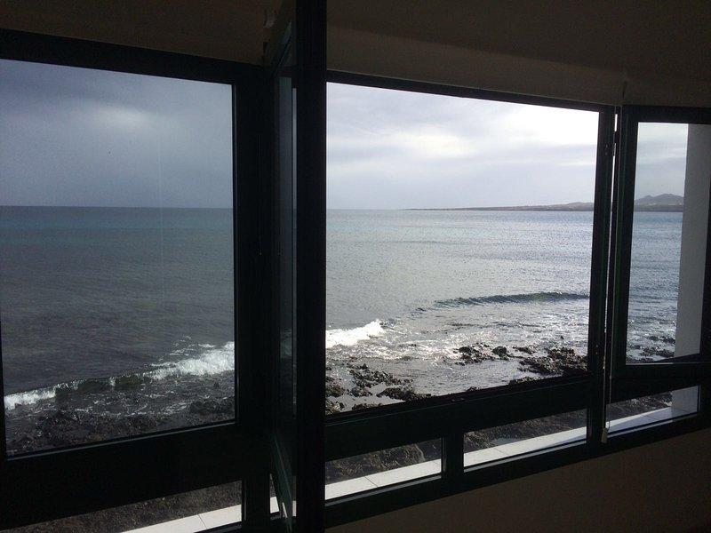 Cuisine-salon fenêtre de la salle