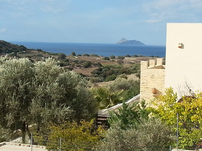 Fantastic home with seaview, Pool, Wlan, holiday rental in Matala