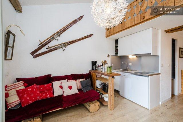 Le Chalet de Lili, KOSYHOME, Pieds des pistes, Sud, Balcon, Parking, ESF, holiday rental in Tignes