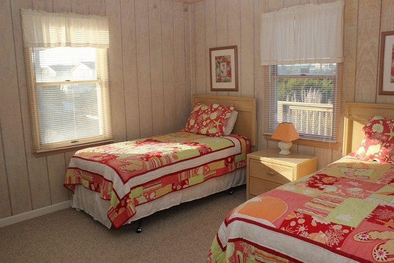 Bedroom 3,  2 twins