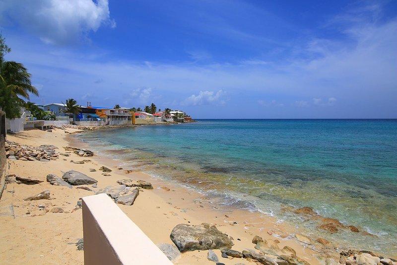 Villa Sunshine... 5BR vacation rental on Bourgeau Bay, St Maarten ******* 8555