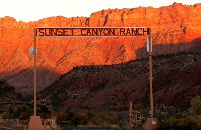 Puerta de entrada en el Sunset Canyon Ranch