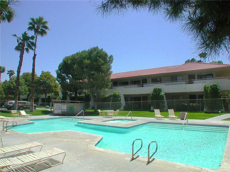 PS Villas II Getaway, vacation rental in North Palm Springs