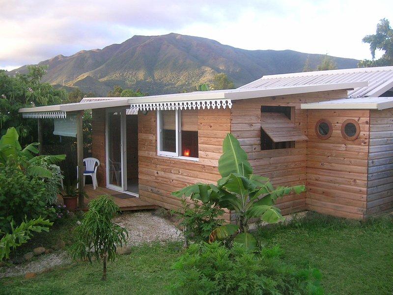 Bungalow chez l' habitant proche Nouméa, casa vacanza a Nuova Caledonia