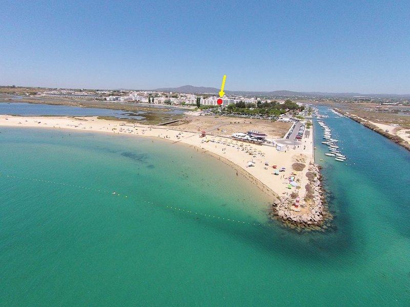 Algarve, Fuzeta, BeachFront apartment, holiday rental in Fuseta