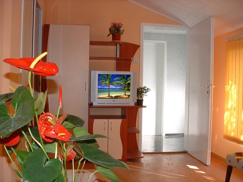 apartment in villa Summer House Seaempress, holiday rental in Saints Constantine and Helena