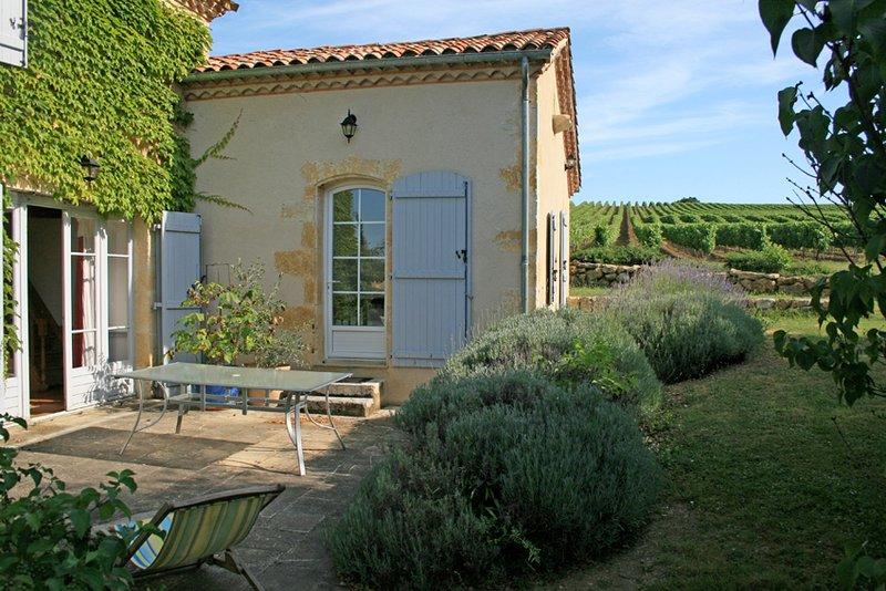 Gite de Charme avec Piscine, vacation rental in Saint-Puy
