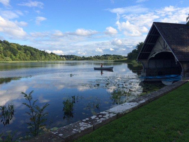 Glaslough lac et le château à une heure de route de Erneside Maisons de ville - une autre excursion d'une journée courte!