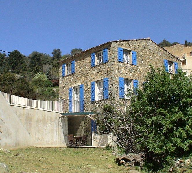 Casa di Muro, ancienne auberge rénovée en maison de vacances  pour 9 personnes,, location de vacances à Zilia