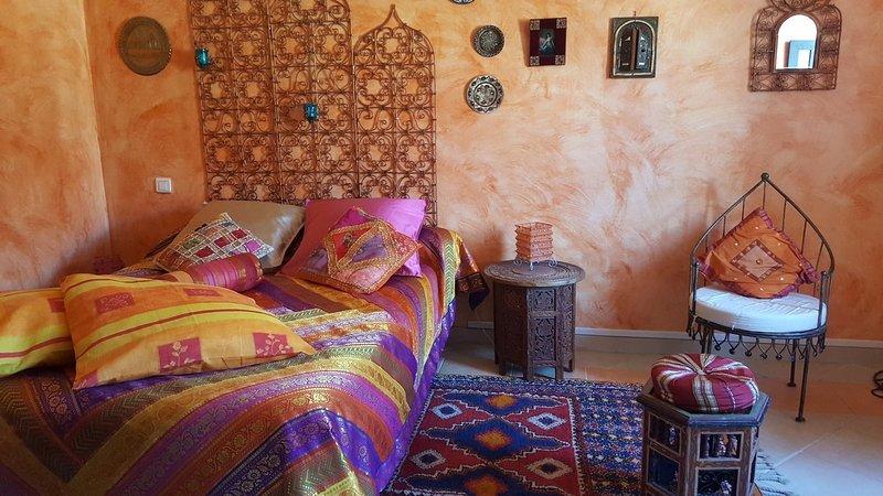 chambre mauresque situee dans la maison de josepha, vacation rental in Thezan-des-Corbieres