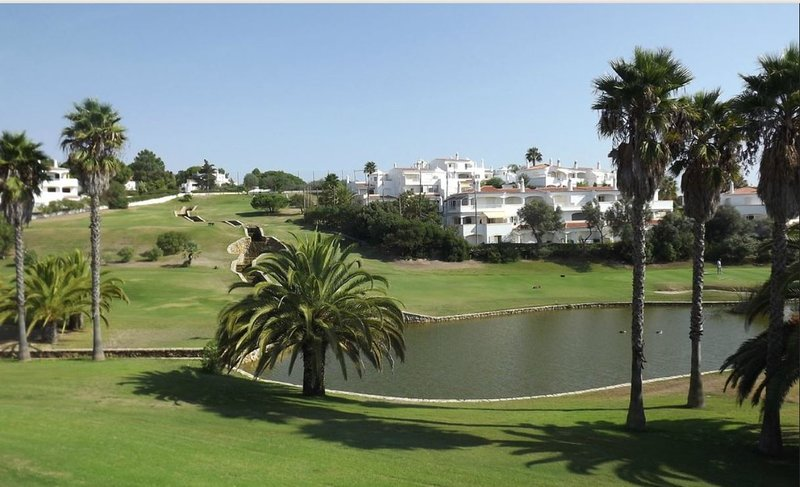 Vale de Milho Golf Resort (at 20 minutes walk - 10 minutes drive)