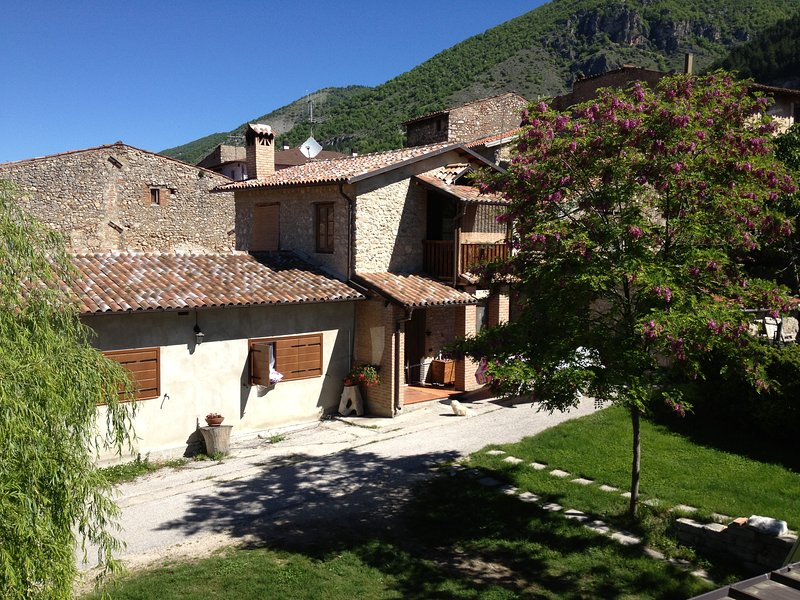 Sotto L' Arco casa vacanze in montagna Abruzzo, L' Aquila, Gran Sasso Laga Park, casa vacanza a Barete
