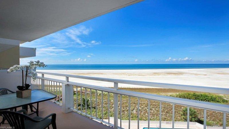 Amazing Direct Oceanfront Beach & Pool Views!