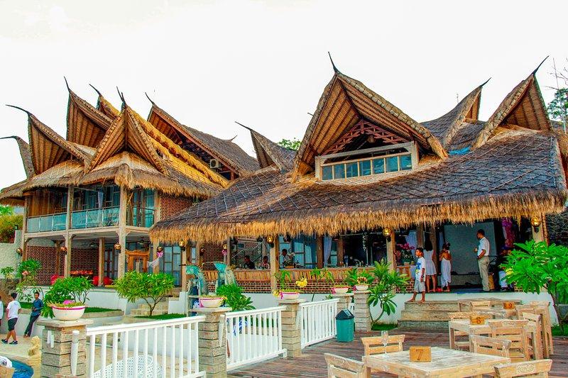 Edificio tradizionale in stile Alangalang