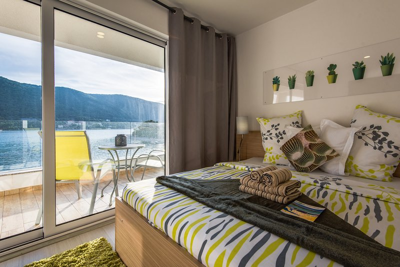 Modern Studio with Balcony, SeaView & Pool - Holidays Roko Grebastica, vacation rental in Grebastica