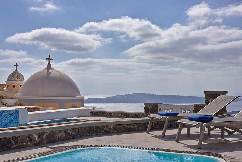 'Villa Dakoronia'.Amazing View with Private Pool., Ferienwohnung in Santorin