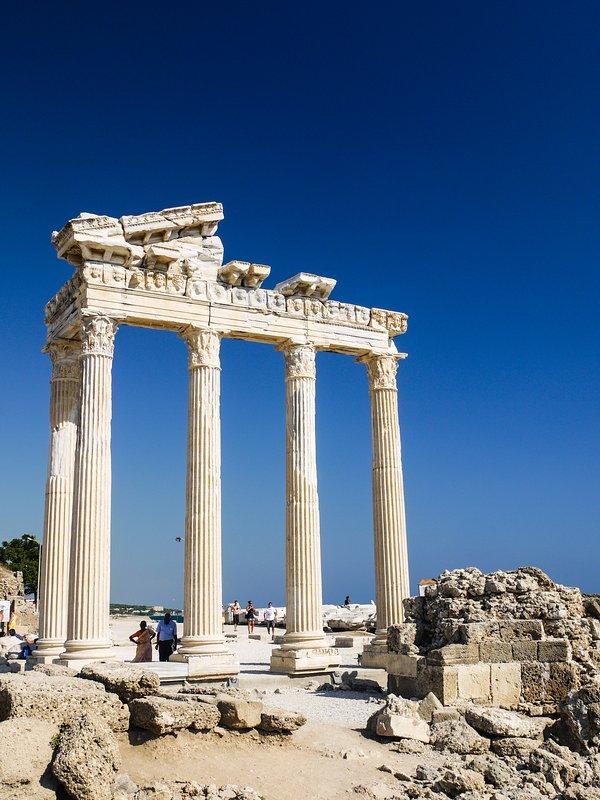 Roman ruins at side