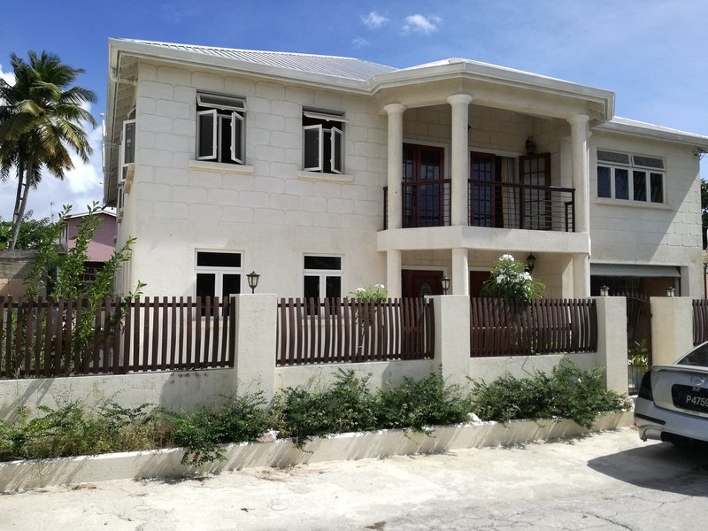 Zavierta Villa, location de vacances à Oistins