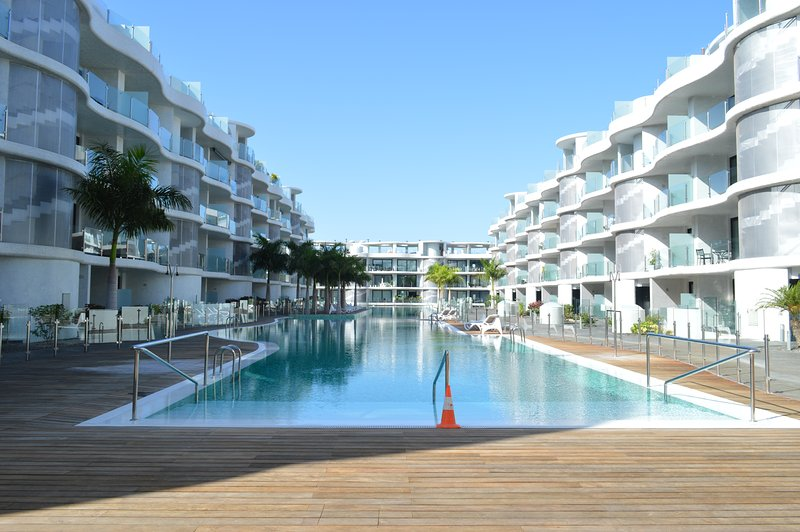 EXCLUSIVE LUXURY APARTMENT IN SOUTH TENERIFE