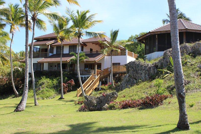 Villa Natasha-zen-achtige, aan zee villa