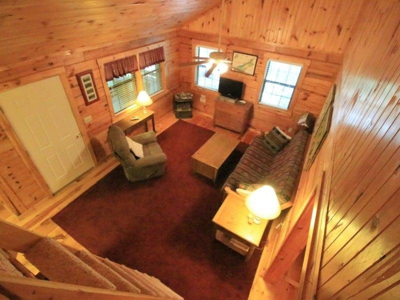 Beautiful Cozy Cabin Has Air Conditioning And Private Yard