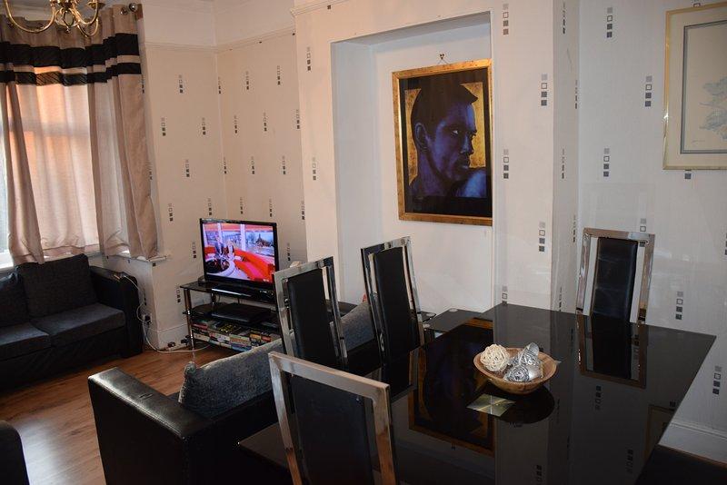 3 bedroom apartment, 2 bathrooms, West London, alquiler vacacional en Ealing