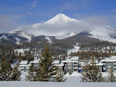 Lone Mountain over Lake Condominiums à Big Sky