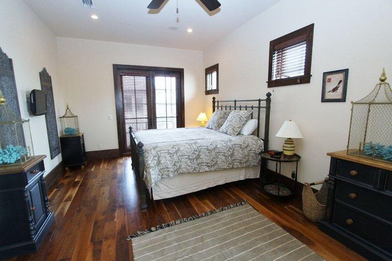 Second Floor King Master Bedroom