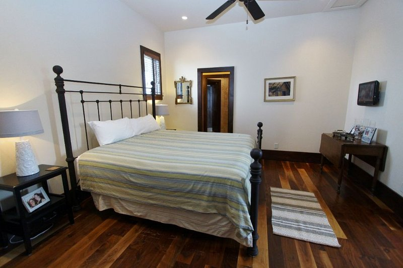 King Bedroom in Back House - Second Floor