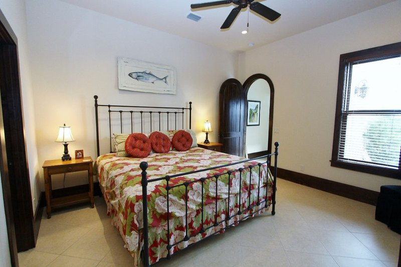 King Bedroom in Back of House on Ground Floor