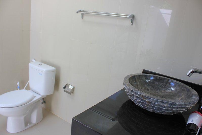 toilet room2