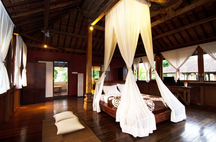 Villa Atas Awan 7 Bedroom Private Villa in Ubud Bali, holiday rental in Bangli