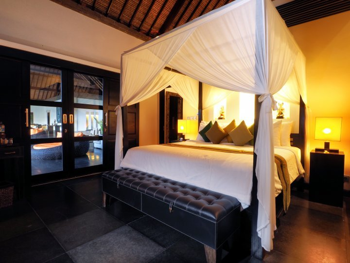 Rumah Lotus Ubud 2 Bedroom Private Villa Ubud, holiday rental in Bresela
