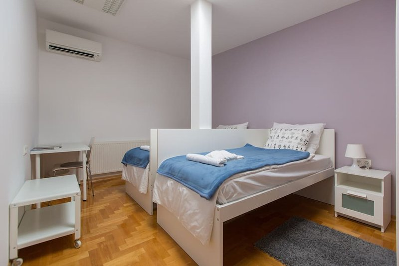 ROOM 4. - Deluxe Room, vacation rental in Zagreb