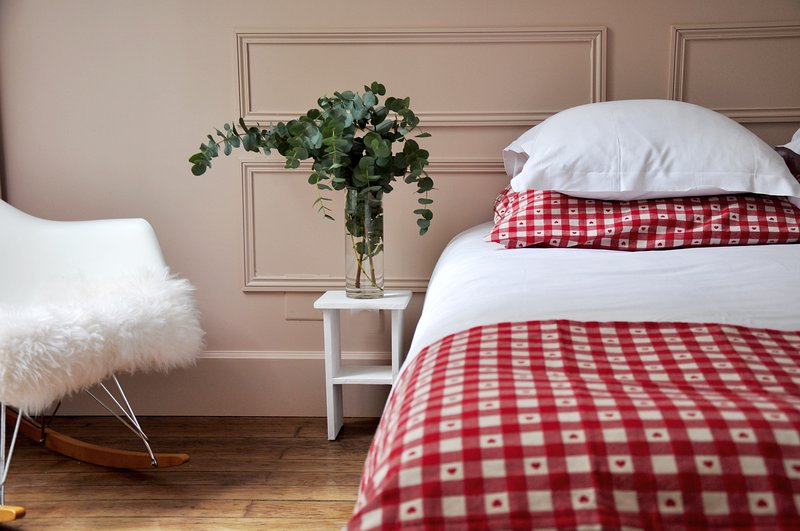 Sleep cosy & comfy in your Queen Size bed.