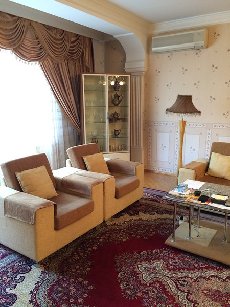 Baku Nakhchivani Street Apartment, alquiler vacacional en Baku