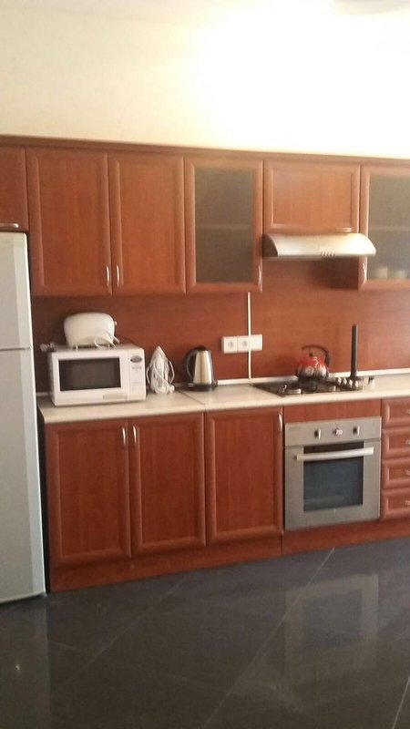 90m2 apartment in a quiet central location 5 min walking distance to the center, holiday rental in Absheron Region
